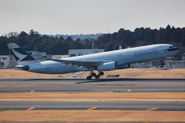 Cathay Pacific Airways Airbus A330-300 1