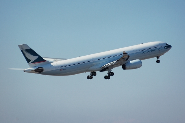 Cathay Pacific Airways Airbus A330-300 3