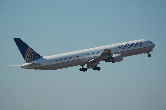 CONTINENTAL Boeing767-400ER 5