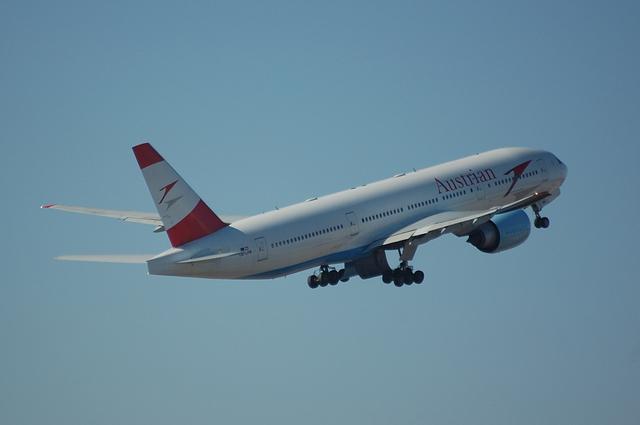 Austrian Airlines Boeing 777-2Z9ER 4