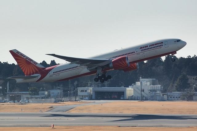 AIR INDIA Boeing777-200LR 2