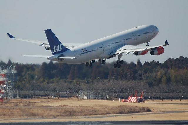 SAS Airbus A340-300 Climb