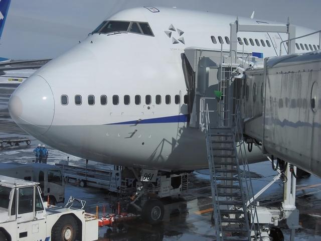 新千歳空港8番スポットのBoeing747-400