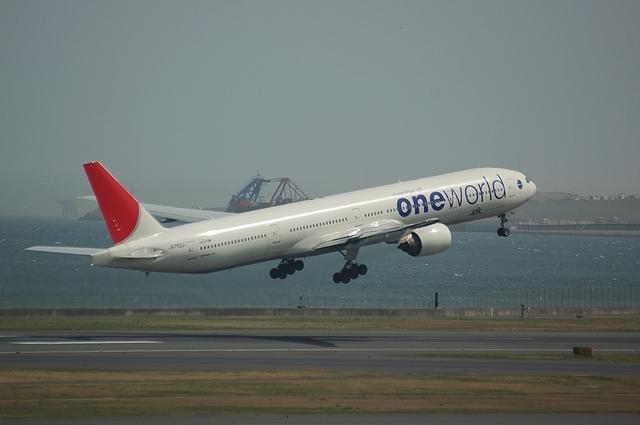 ワン・ワールド Boeing777-300