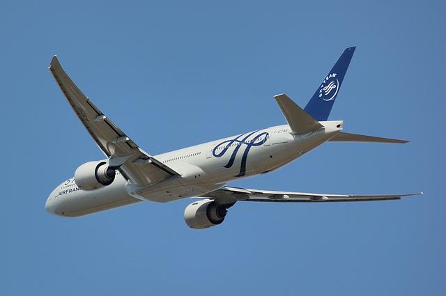 AF Boeing777-300ER(F-GZNE)
