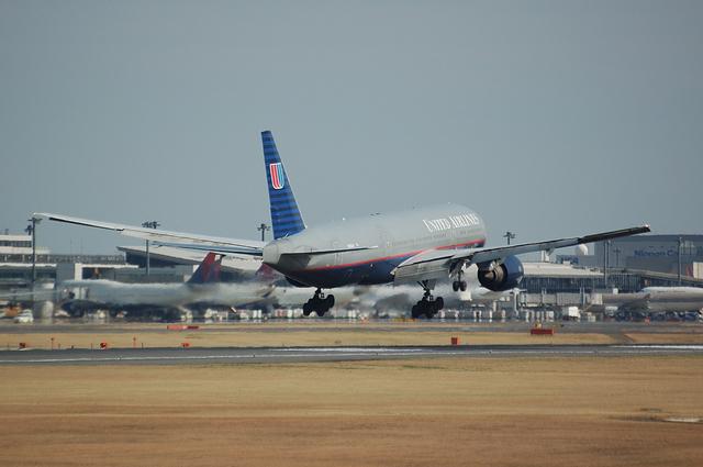 UA Boeing777_OLD 4