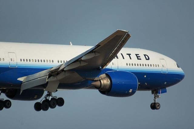 UA Boeing777_NEW 3
