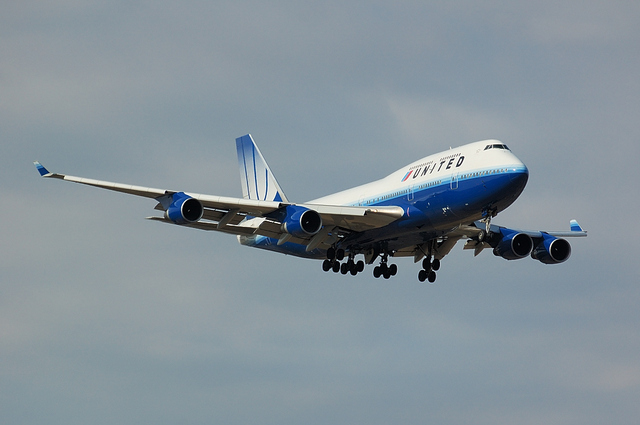 UNITED AIRLINES Boeing747-400 2