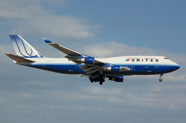 UNITED AIRLINES Boeing747-400 3