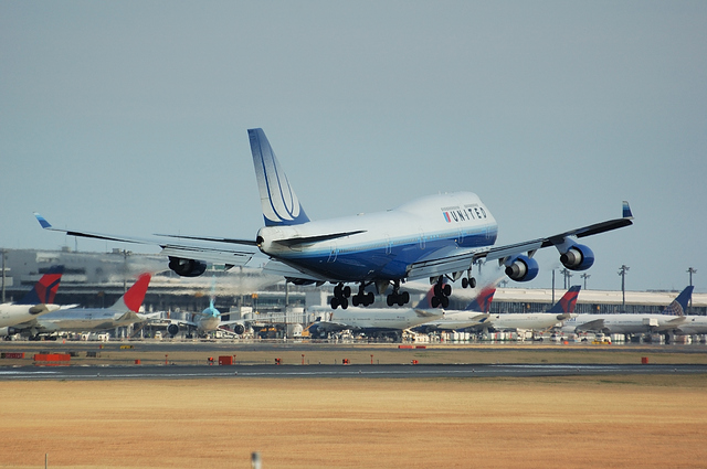 UNITED AIRLINES Boeing747-400 5