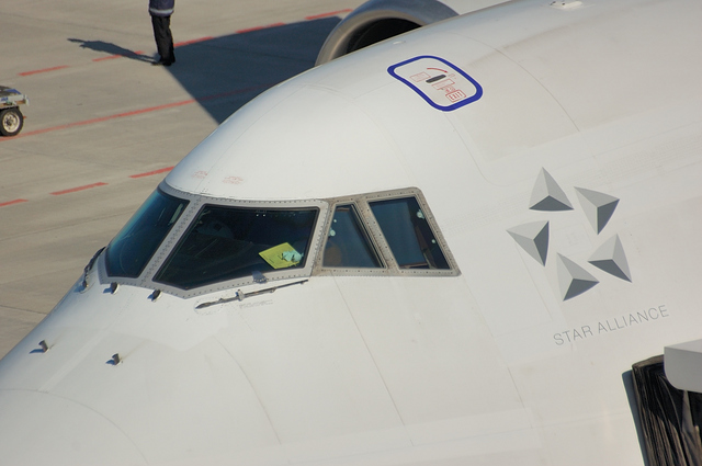 ANA Beoing747-400D コックピット窓アップ