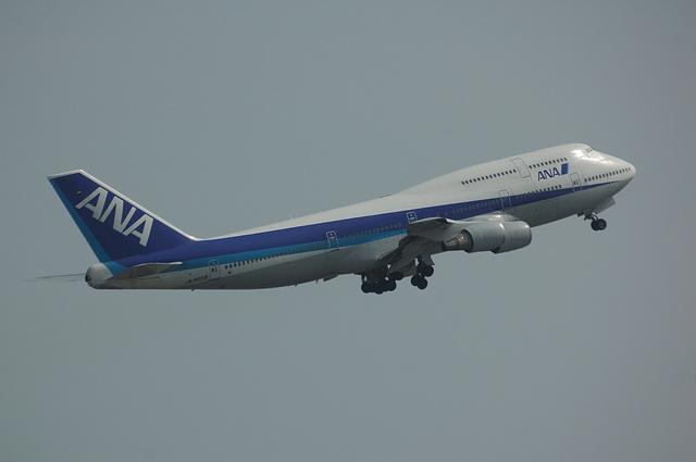 ANA Boeing747-400 Take Off