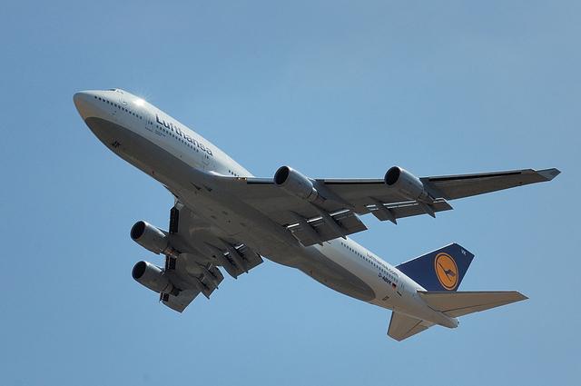 Lufthansa Boeing 747-400 1