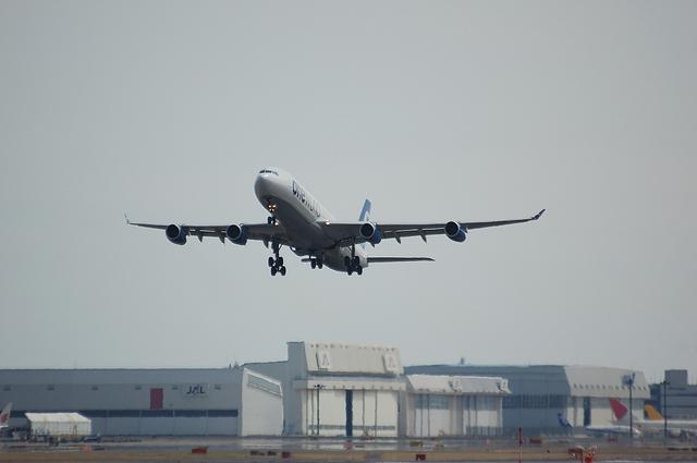 FinnairのA340-300 離陸