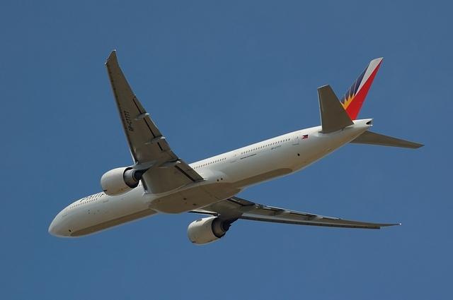 Philippine Airlines Boeing 777-300ER 4