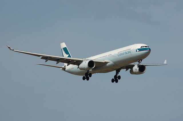 CATHAY PACIFIC Airbus A330-300 Landing 1