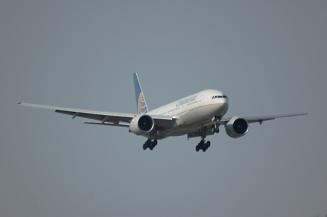 Continental Airlines Boeing777-200ER 1