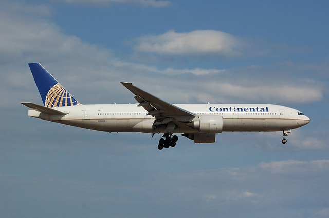 Continental Airlines Boeing777-200ER 3