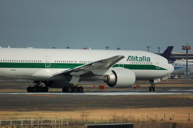Alitalia Boeing777-200ER 3