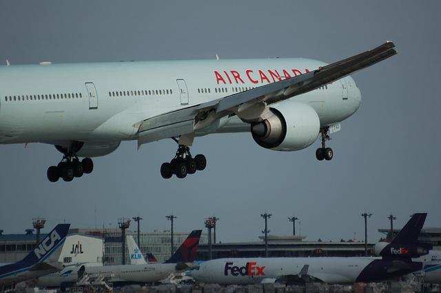 AIR CANADA Boeing777-300ER 4