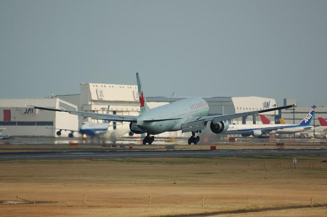 AIR CANADA Boeing777-300ER 6