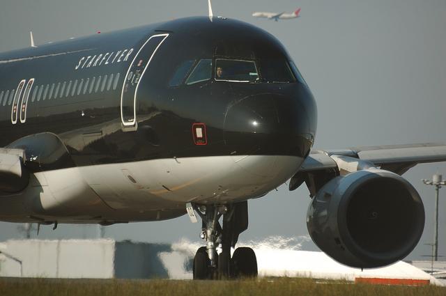STARFLYER Airbus A320-200 1