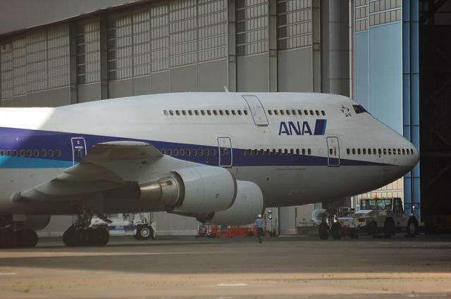 ANA Boeing747-400の出庫