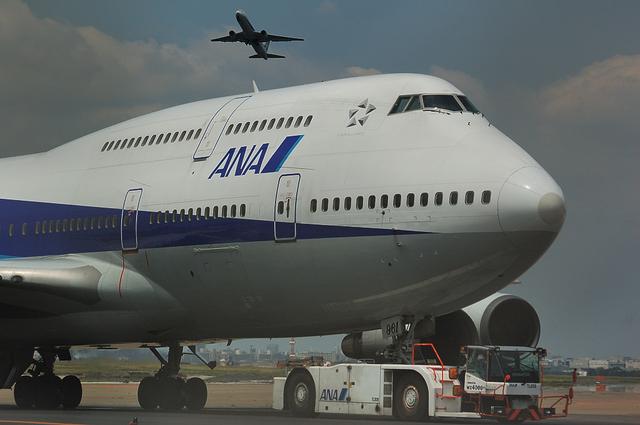 ANA Boeing747-400D 4