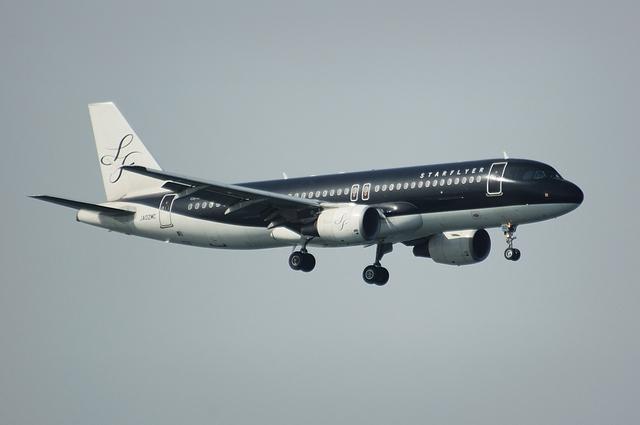 SFJ Airbus A320 2