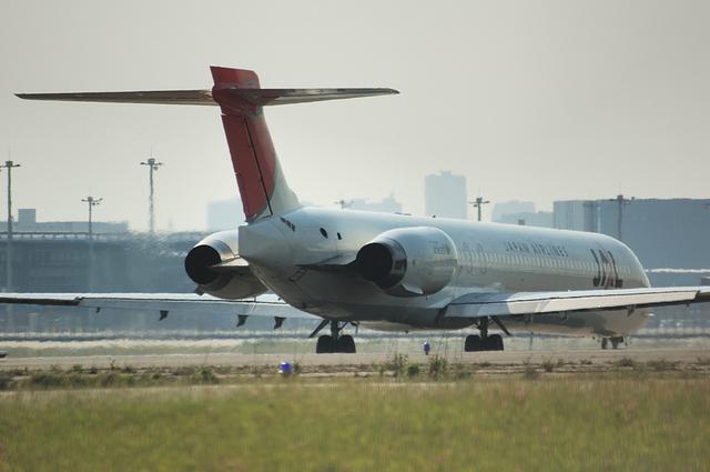 MD-90 7