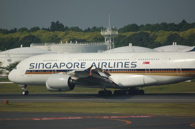 SQ A380 Landing 3