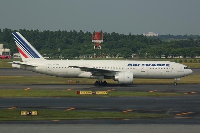 AF Boeing777-200ER 2