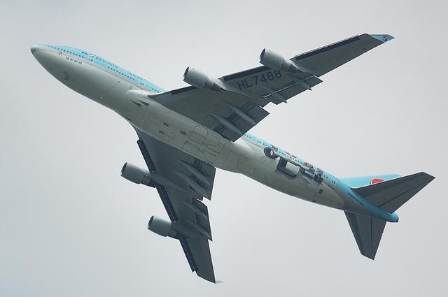 KE Boeing747-400 大英博物館記念塗装