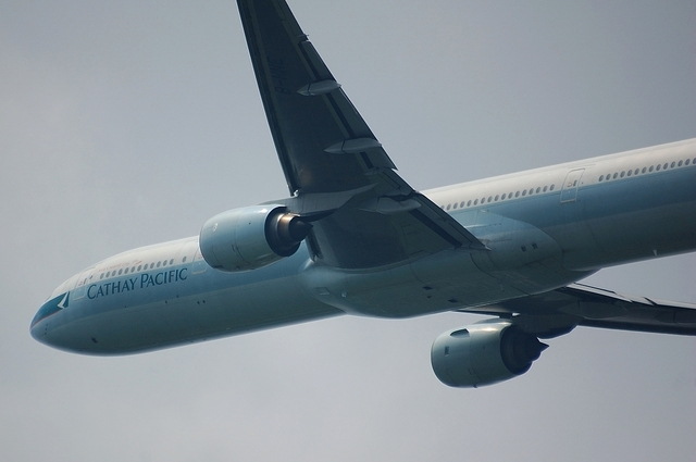 Cathay Pacific Airways Boeing777-300 4