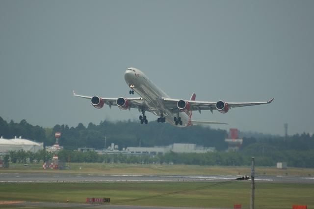 VS Airbus A340-600 1