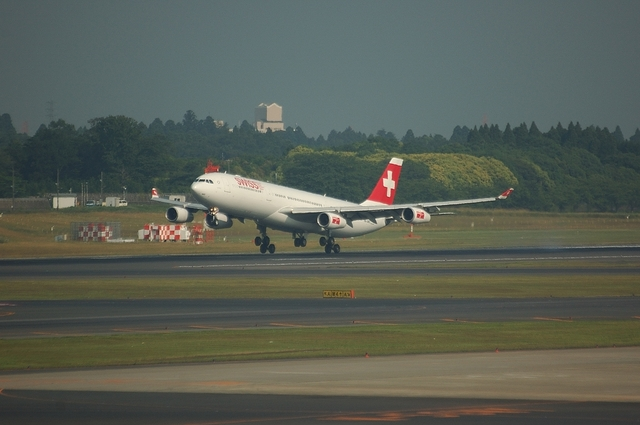 SWISS Airbus A340-300 1