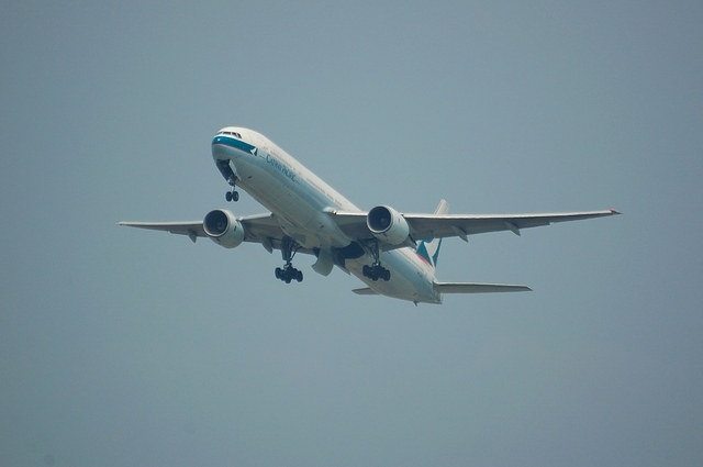 Cathay Pacific Airways Boeing777-300 1