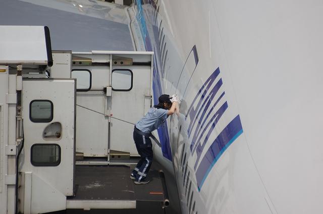 Boeing777 Door Open 1