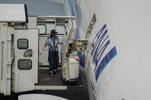 Boeing777 Door Open 7