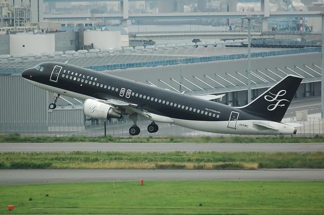 SFJ A320 Take Off 4