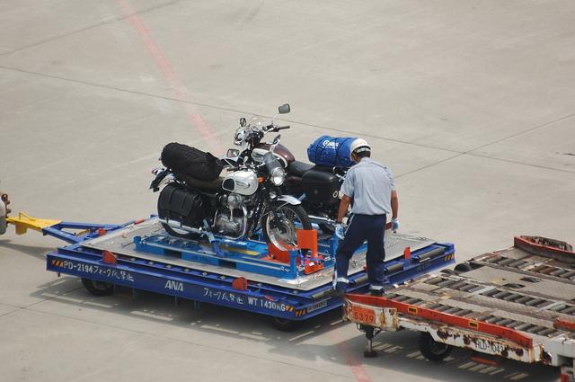 バイクも運んじゃいます