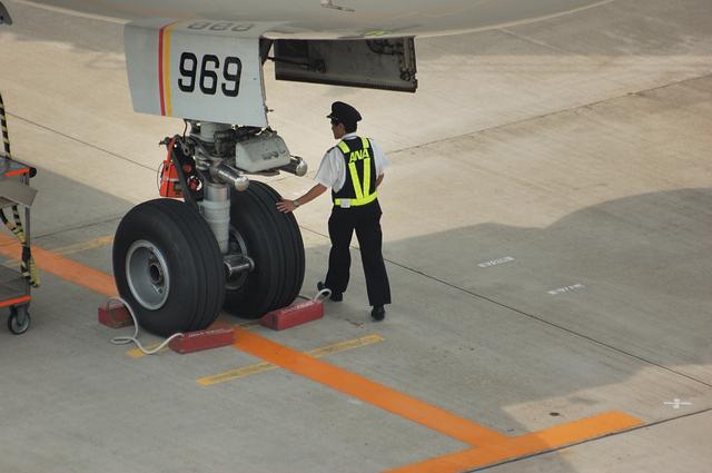 パイロットの飛行前点検