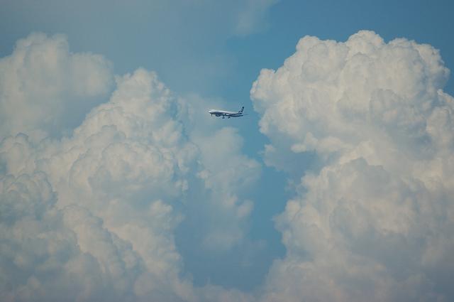 入道雲と飛行機 2