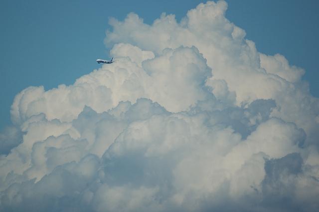 入道雲と飛行機 4