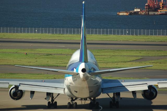 真後ろから見たBoeing747-400