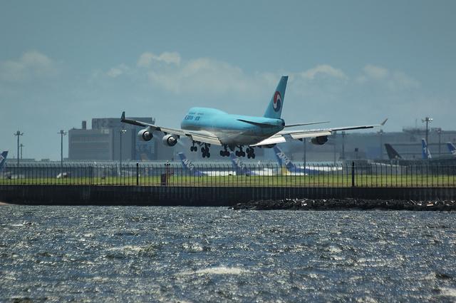 大韓航空 RWY16L Landing