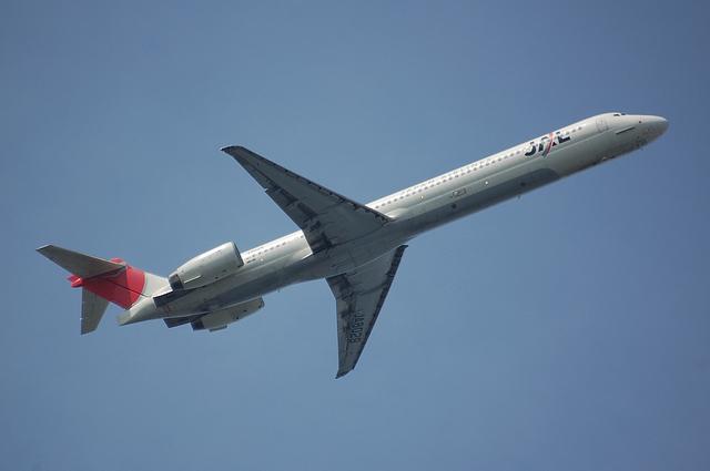 MD-90 Take Off