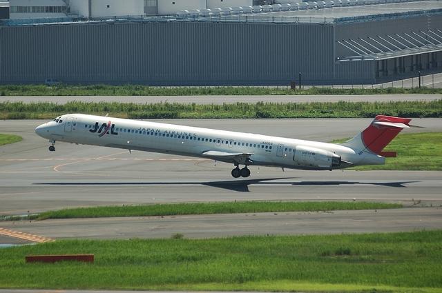 MD-90 1