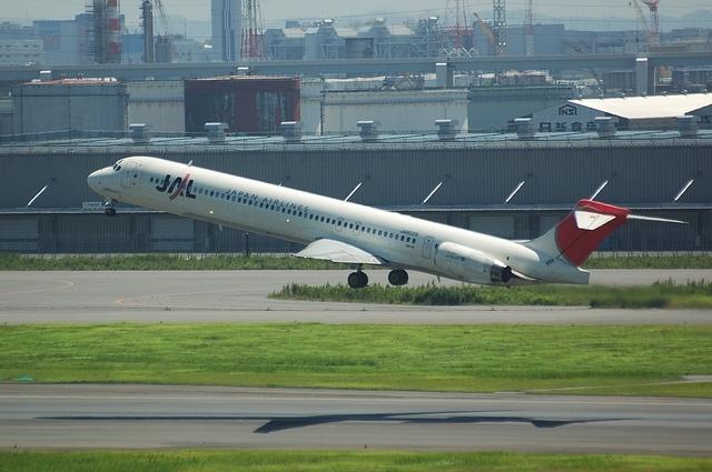 MD-90 2