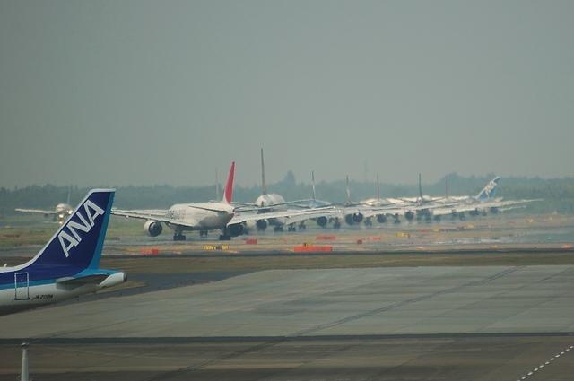 成田空港渋滞中